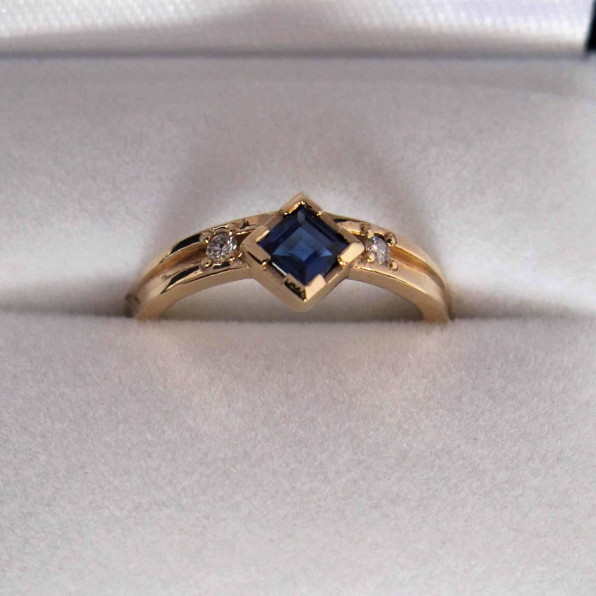 4-zirkonium-ring-web